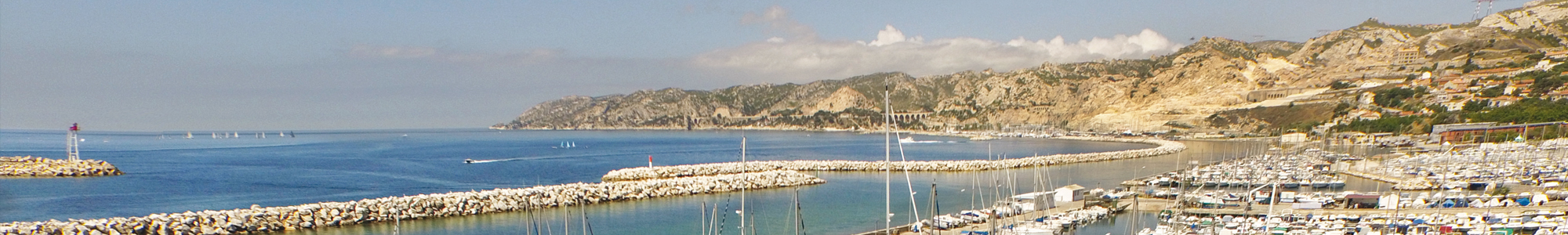 Marseille Bor de Mer vue du port de l'Estaque vers la Côte Bleue